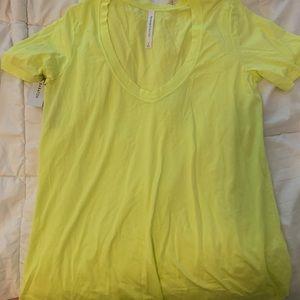 Aritzia The Group Babaton yellow t-shirt